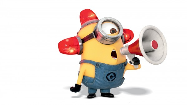 minion-carl-megaphone_1087990504